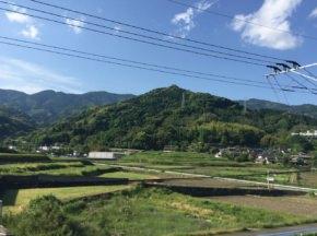 都の西北から日本の西北へ。